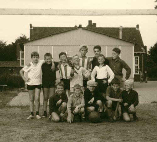voetbalteam misdienaars 1967