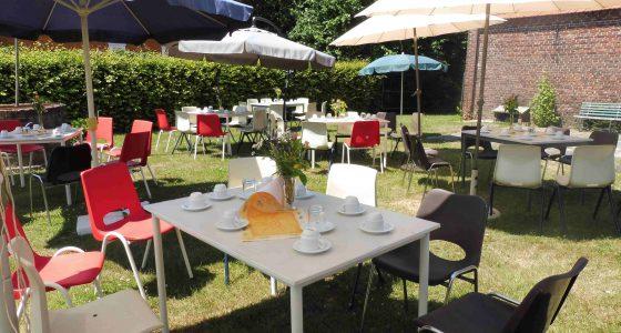 Zonnebloem picknick op de Leimskoel